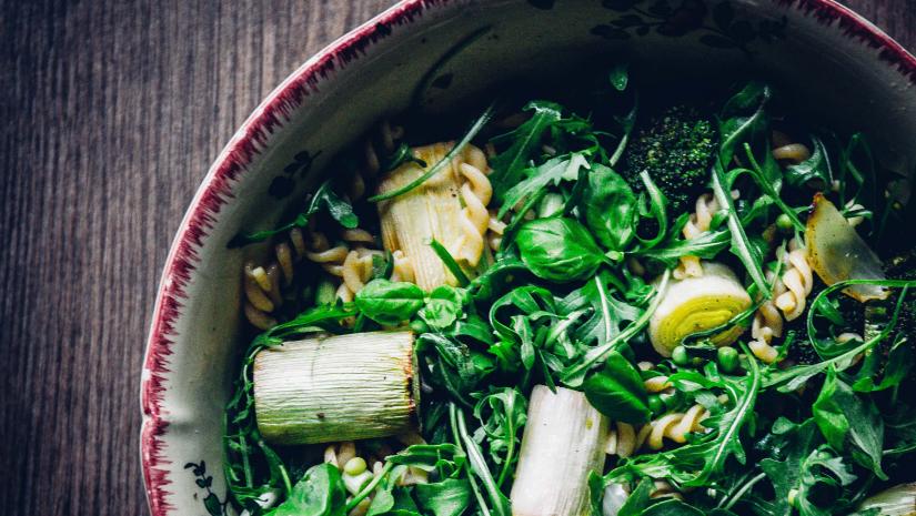 Pastasalade met groene wintergroenten & onze beste wensen!